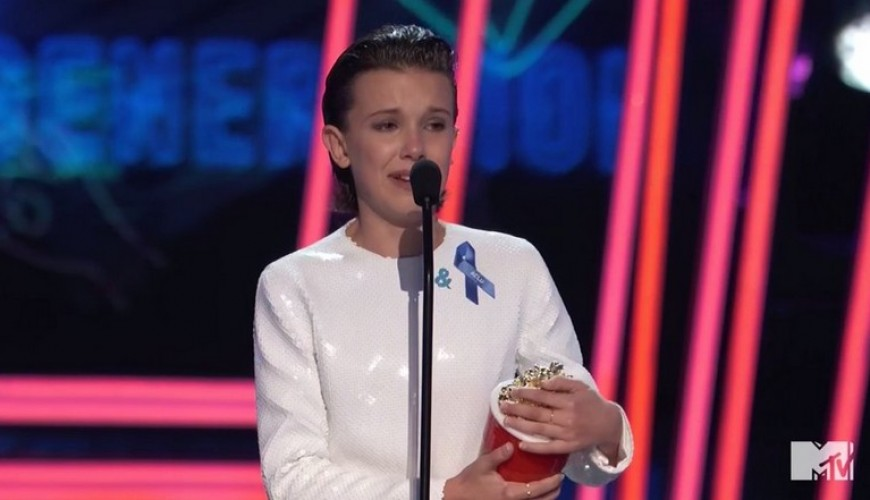 MTV Movie Awards – Millie Bobby Brown recebe prêmio e chora durante agradecimento