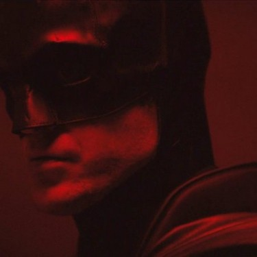 The Batman – foto mostra parte do traje do Homem-Morcego no filme